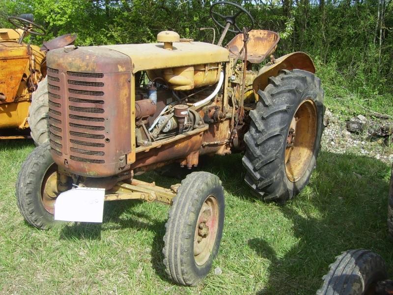 un 411 parmi les tracteurs agricoles à PEZET LE ROBERT (72) Sv106512