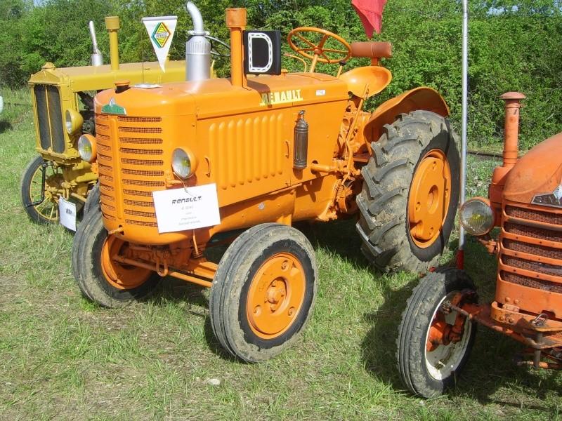 un 411 parmi les tracteurs agricoles à PEZET LE ROBERT (72) Sv106513