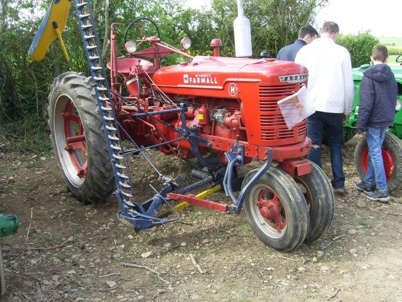 un 411 parmi les tracteurs agricoles à PEZET LE ROBERT (72) Sv106610
