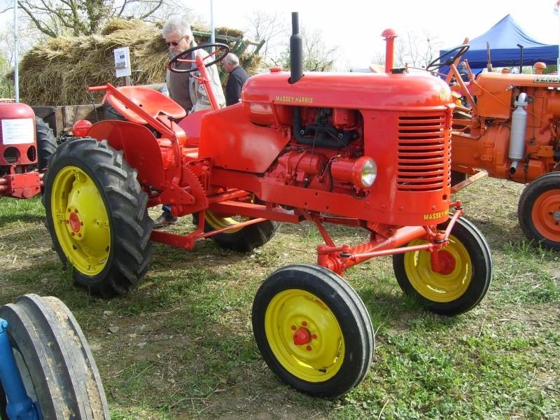 un 411 parmi les tracteurs agricoles à PEZET LE ROBERT (72) Sv106612