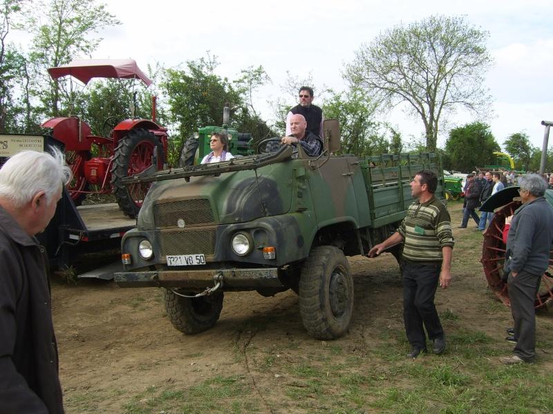 un 411 parmi les tracteurs agricoles à PEZET LE ROBERT (72) Sv106614