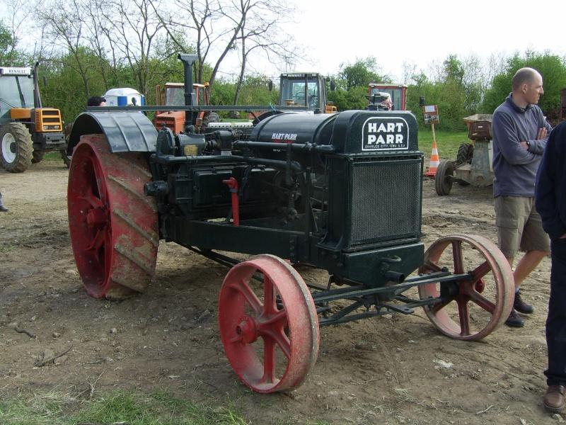 un 411 parmi les tracteurs agricoles à PEZET LE ROBERT (72) Sv106615