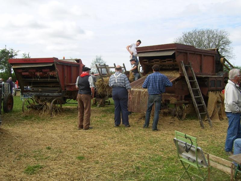 un 411 parmi les tracteurs agricoles à PEZET LE ROBERT (72) Sv106616