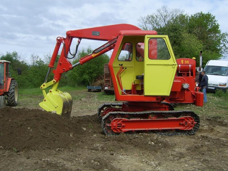 un 411 parmi les tracteurs agricoles à PEZET LE ROBERT (72) Sv106617