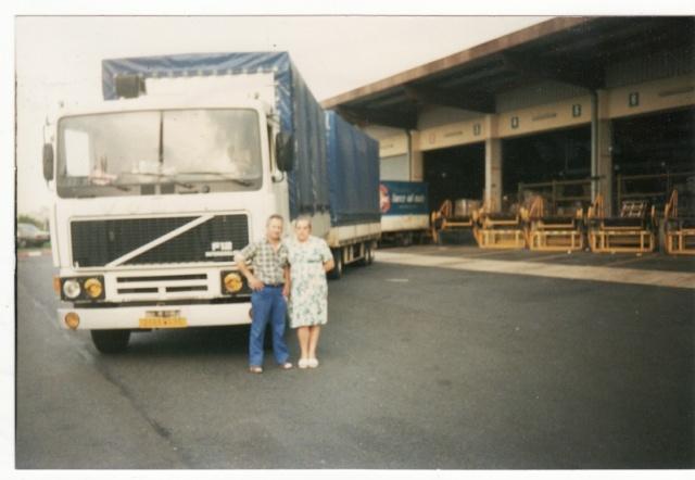 Des photos de camions bétaillères à moutons et d'autres photos de camions aussi conduit par Henry Elie . - Page 3 Img_0018