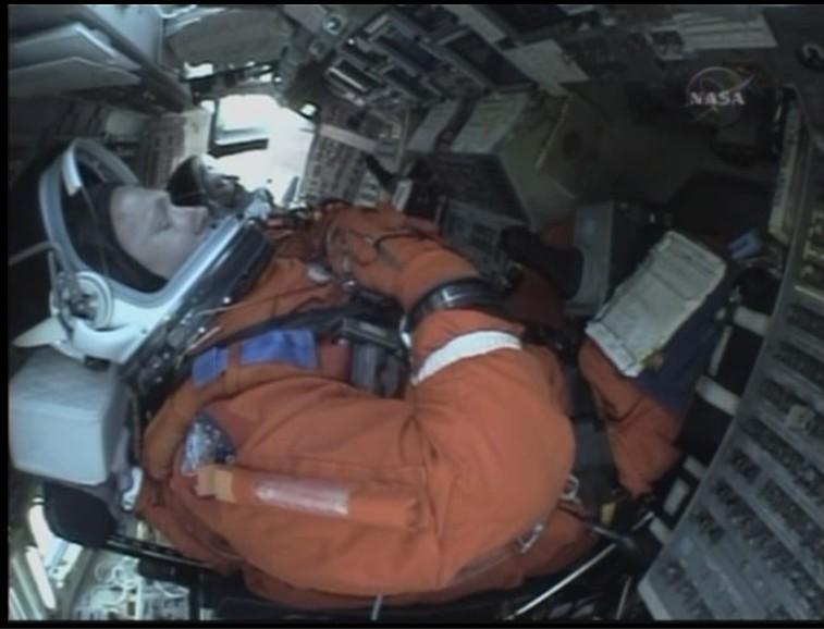 [STS-127: Endeavour] Lancement : tentative 6 (15/07 à 22h03 GMT) - Page 10 Aquipa11