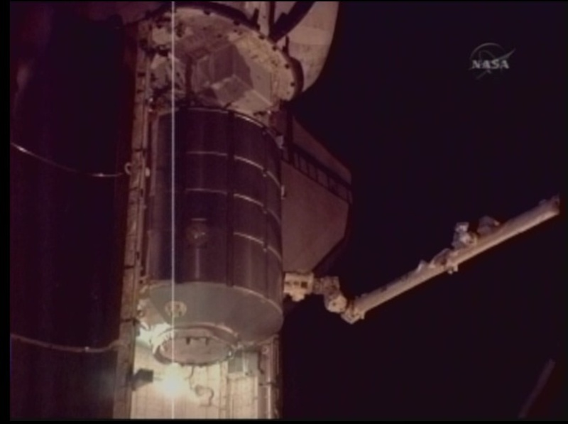 [STS-128: Discovery] suivi de la mission. - Page 3 Cadcam10