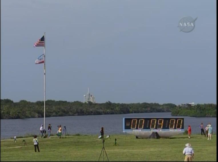 [STS-127: Endeavour] Lancement : tentative 6 (15/07 à 22h03 GMT) - Page 29 Compte10