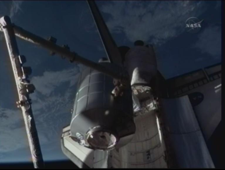 [STS-128: Discovery] suivi de la mission. - Page 3 Sortie10