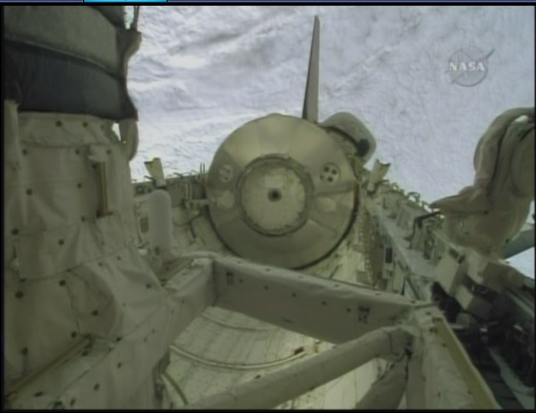 [STS-128: Discovery] suivi de la mission. - Page 3 Soute_11