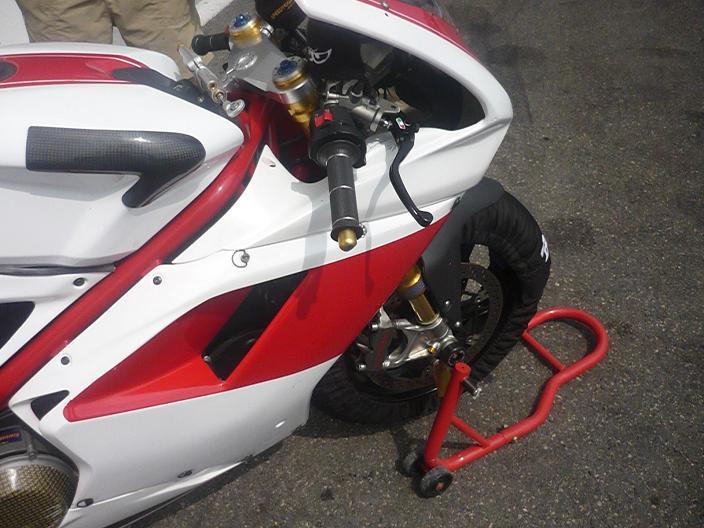 Hier à magny cours j'ai poussé ca Ducat210