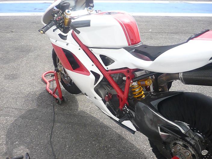 Hier à magny cours j'ai poussé ca Ducat311