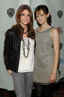 Ashley Greene & Alexis Bledel 081_g10