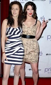 Ashley Greene & Kristen Stewart Sans_t69