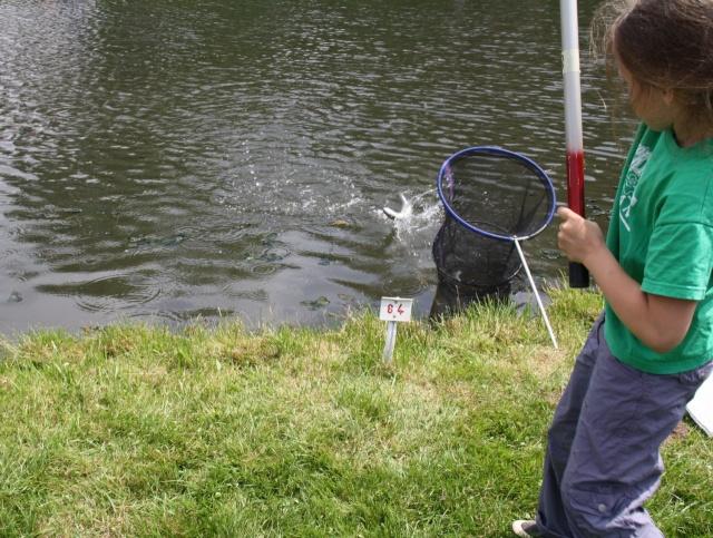 Pêche pour les enfants avec l'AAPPMA le 27 juin 2009 Img_2614