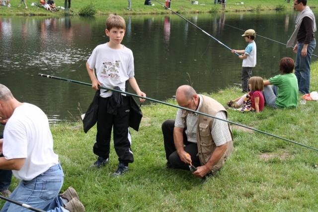 Pêche pour les enfants avec l'AAPPMA le 27 juin 2009 Img_2711