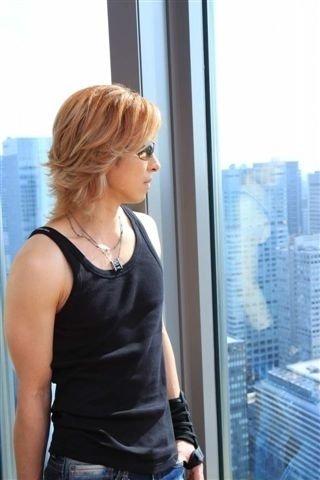 Photos de Yoshiki - Page 5 6334_112