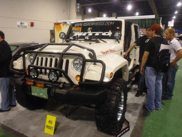 Mopar Jeep на SEMA 2009 812