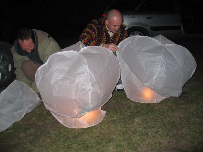 Ufofu / U&P - Test de Lanternes Thaïlandaise (Libre post au invité) 001513