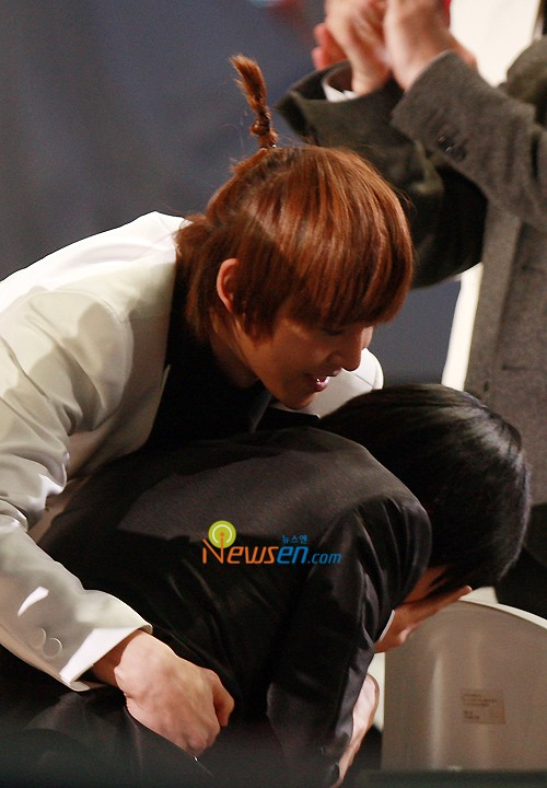 KhunYoung [NichKhun + Wooyoung] Ejhpjd10