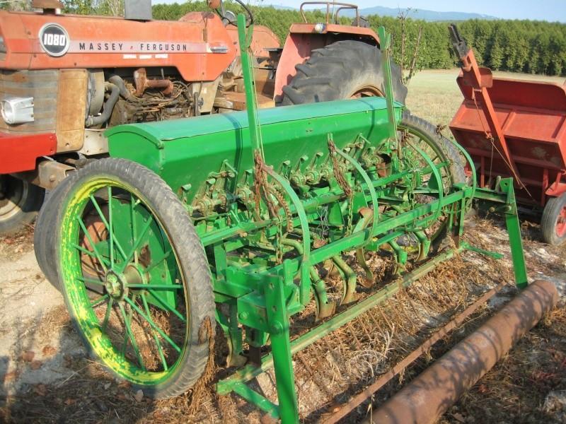 Mi Ebro 48 y sembradora de lineas ex tracción animal. Img_5212