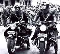 (N°06)La Gendarmerie Nationale Française . Motard11