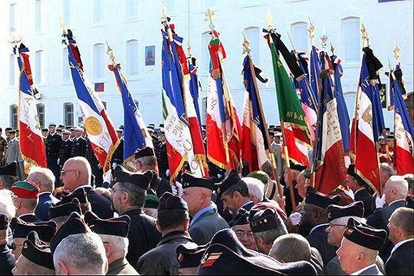 Vendredi 11 Septembre 2009 les Anciens Combattants et Anciens du 3ième RIMa, étaient nombreux  pour rendre les honneurs aux deux Marsouins du grand 3 de Marine de VANNES,morts en Afghanistan Untitl13