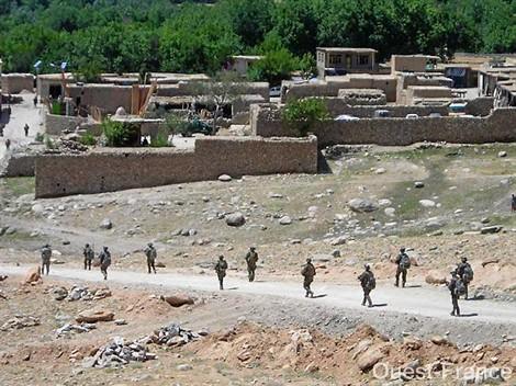 Les marsouins patrouillent en Afghanistan    << Source Amicale 3ème RIMa >> Va60_110