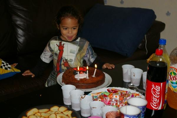 Joyeux anniversaire Nolhan!!!!!!(fils de noly) Imgp4815