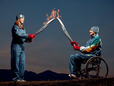 Jeux Paralympiques Vancouver 2010 : Torche & Uniforme des relayeurs 6852210