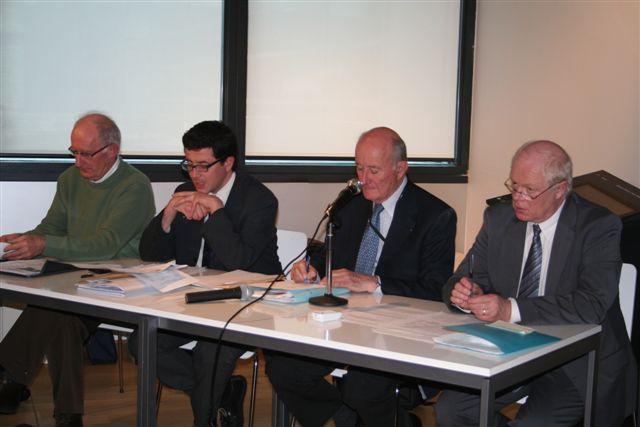 L'AG 2009 a élu son nouveau Conseil d'Administration Img_3810