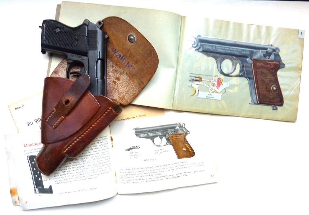 Boites, manuels Walther PPK P1070531