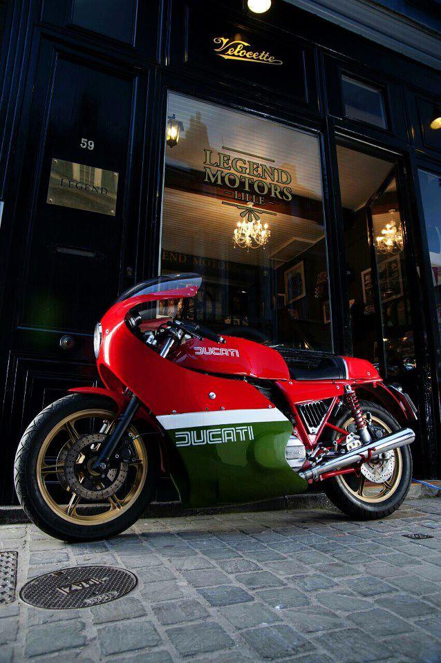 Ducati Twins à Couples Coniques : C'est ICI - Page 9 15572310