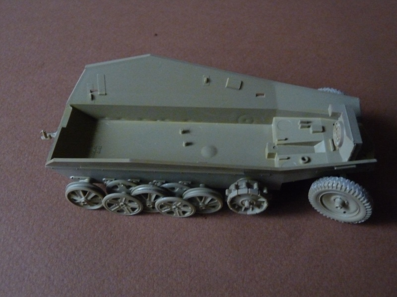 25 pdr FIELD GUN ARICAIN  ABANDONNE Chassi15