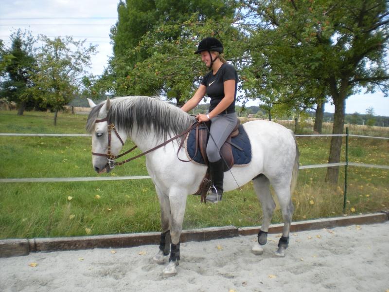 Une photo de vous et votre cheval - Page 4 Dscn1011