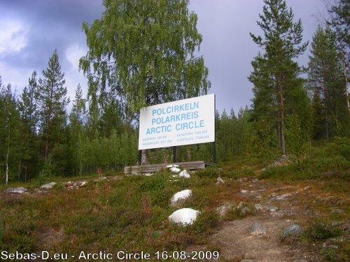 Monument cercle polaire Salekhard Russie 27236110