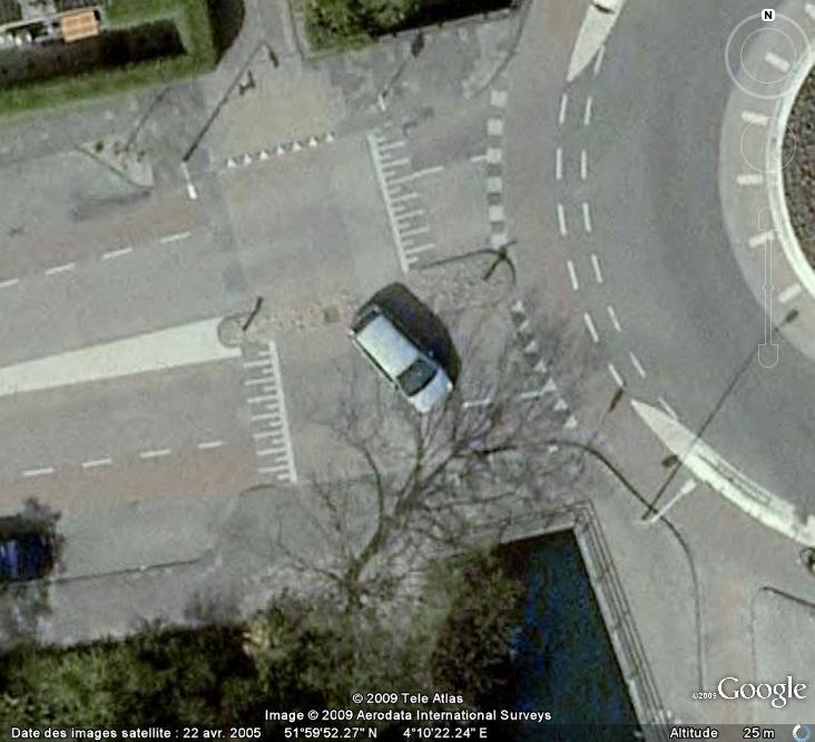 Attention , les dangers de la routes sont de sortie ! Voitur13