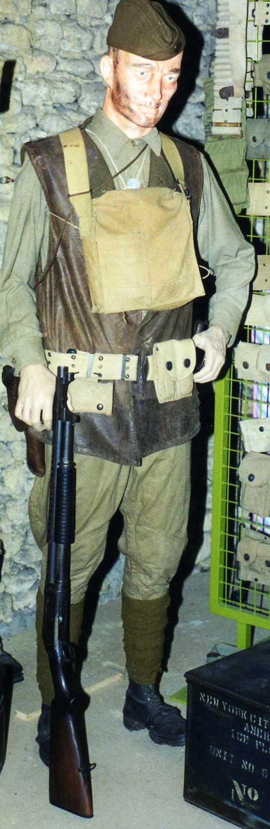 mon trench gun 1897 Collec12