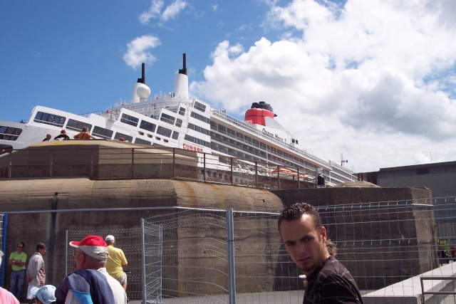 Le Queen Mary 2 à Tchibou! 100_2715