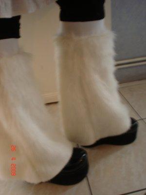 Tulipe-noire créa ... tenue alice aux pays des enfers revisité ,  cape polaire , tenu en vinyl pour sombre poupée , le tout porté sur mes clientes =) en ligne 24640310