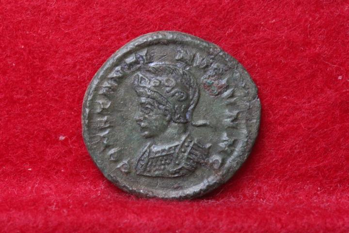 Ae3 de Constantin II, revers BEATA TRA-NQVILLITAS atelier Londres Img_4263