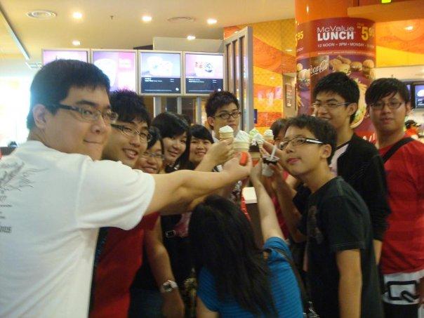 Alvin Chong Fan Club Group Photo! 5332_111