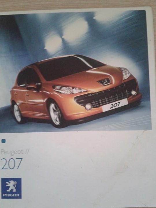 Vos revues/brochures/dépliants Peugeot 94446313