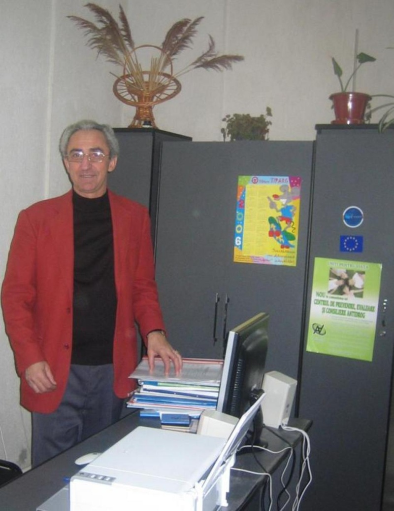 Inspectorul scolar Doru Vilhem a incetat din viata! Doru_v10
