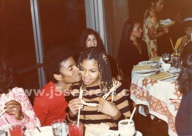Michael e Janet!!! - Pagina 3 Mj_08_10