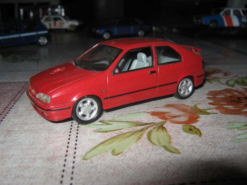 Miniatures R9-R11 et autres modèles Img_0612