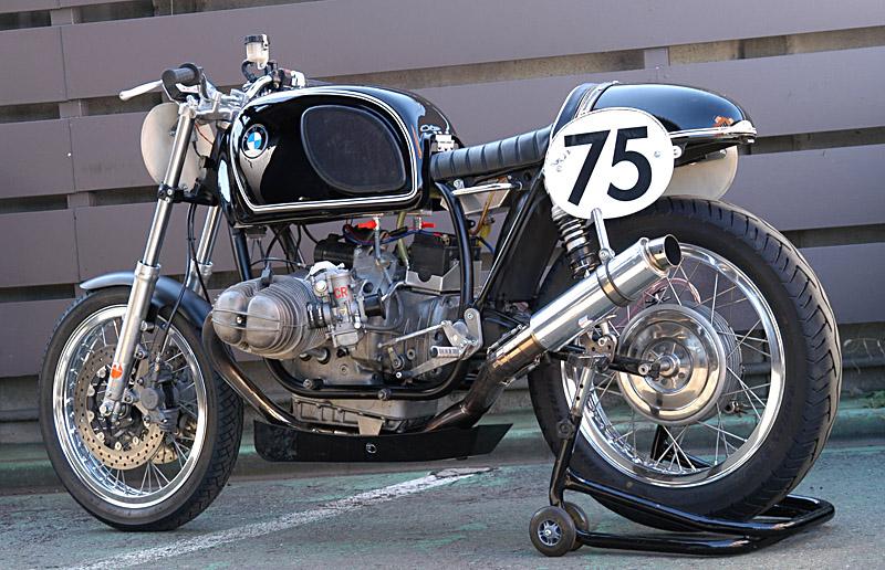C'est ici qu'on met les bien molles....BMW Café Racer - Page 2 08-11-10
