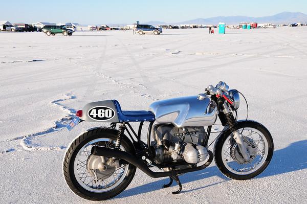 C'est ici qu'on met les bien molles....BMW Café Racer - Page 2 36562110
