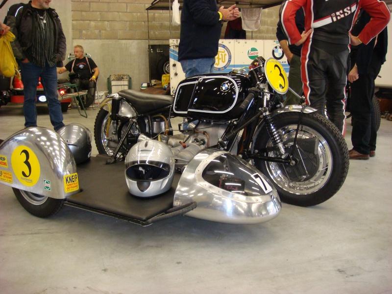 C'est ici qu'on met les bien molles....BMW Café Racer - Page 2 Dsc00411