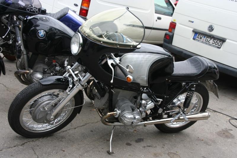C'est ici qu'on met les bien molles....BMW Café Racer - Page 2 Img_4311